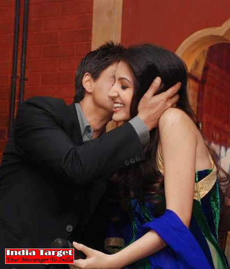 kissing photos of anushka sharma. via Shahrukh amp; Anushka Sharma